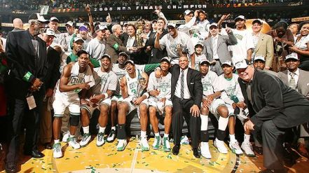 nba_g_celtics_trophy_580.jpg